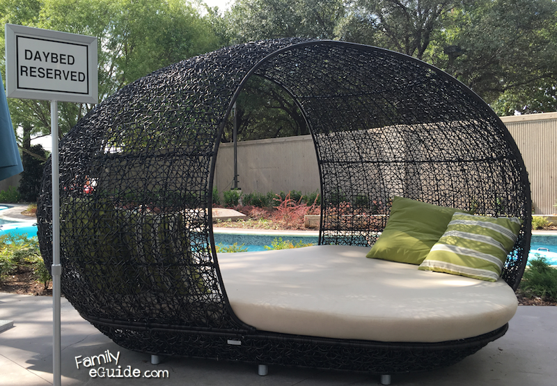 Anatole Daybed