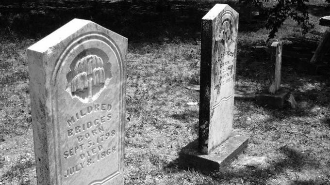 Twilight at Bridges Cemetery @ Bridges Cemetery